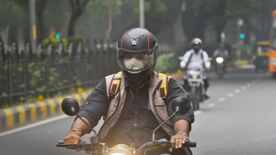 Plans fall flat, no solution visible in Delhi's deadly haze