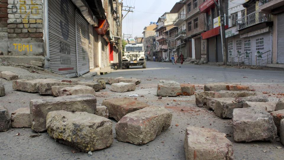 6 labourers killed in J&K on day of EU group's visit
