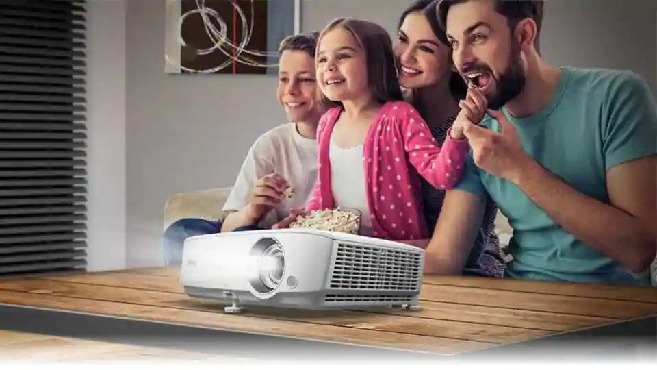 How to use a projector to set up a great home theatre experience