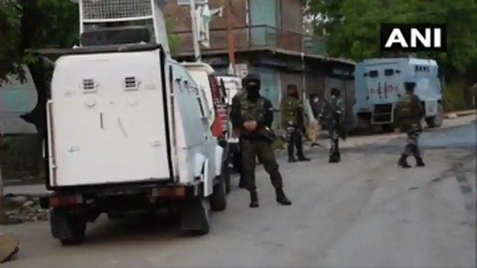 4 terrorists killed in encounter with security forces in J-K's Shopian, 9 in 24 hrs