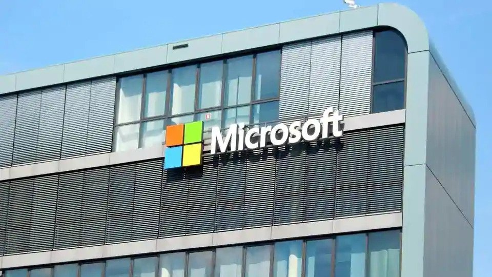 Hacker is selling Microsoft C-Suite email credentials for $100