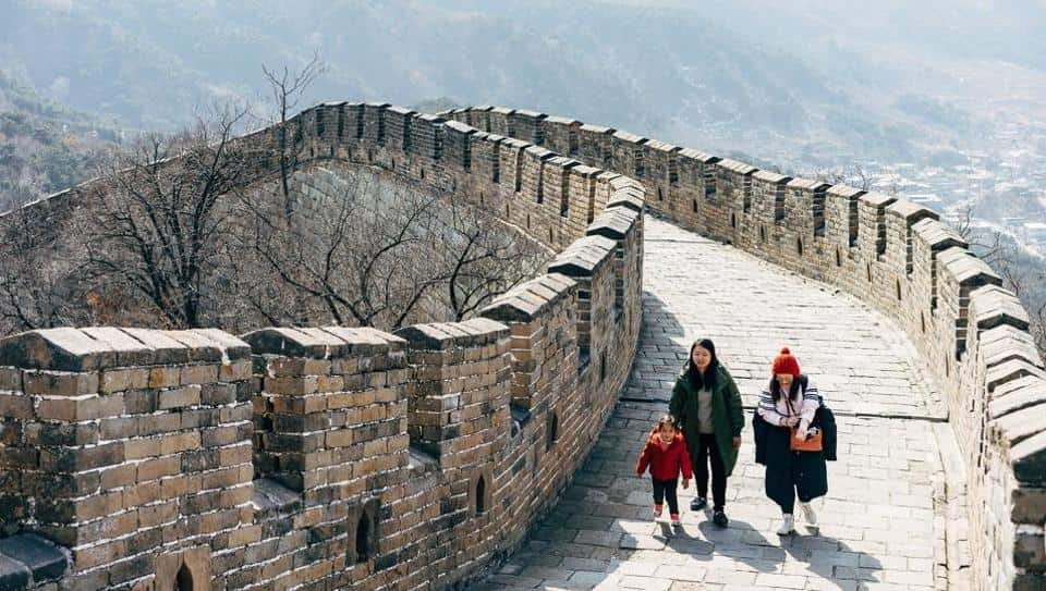 Chinese tourists scale back domestic travel plans