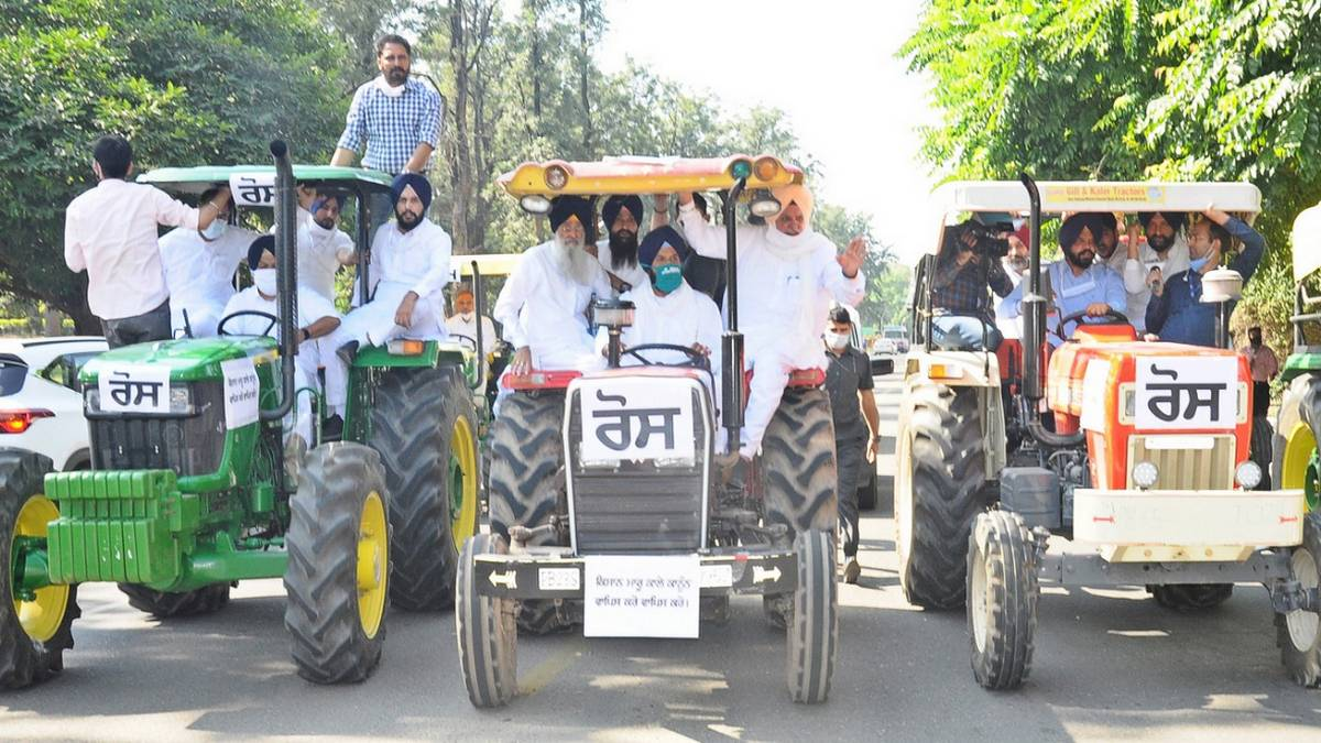 Farmers' tractor rally on R-Day: Deal with the issue, SC tells cops on farmers entering Delhi