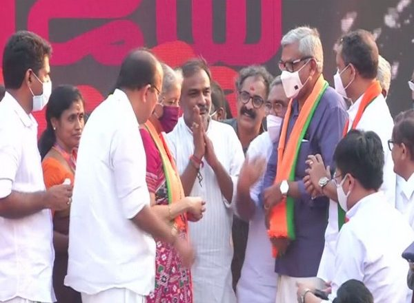 Former Kerala High Court Judge PN Ravindran joins BJP