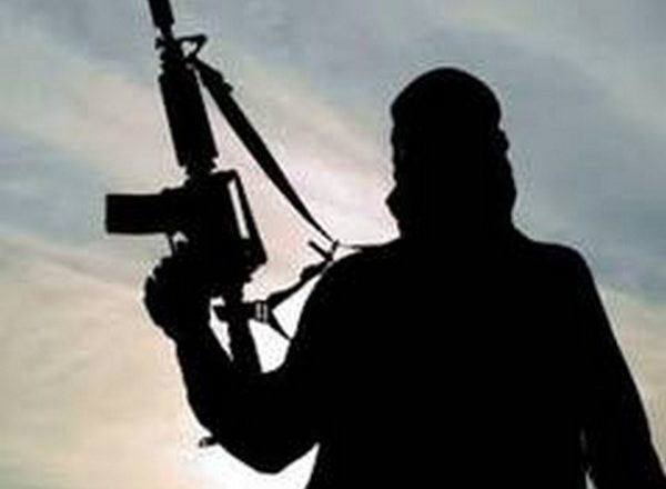 Terrorists attack security forces in JK's Shopian, no injuries reported
